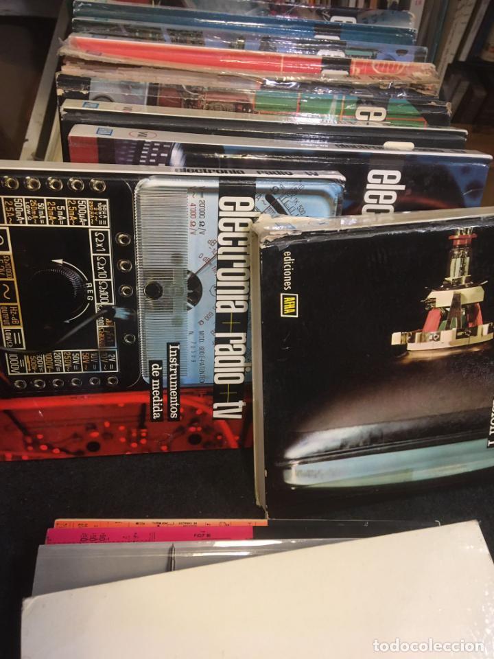 Radios antiguas: 16 libros publicaciones electronia, radio tv , diccionario de electronica. ver fotos - Foto 3 - 243685470