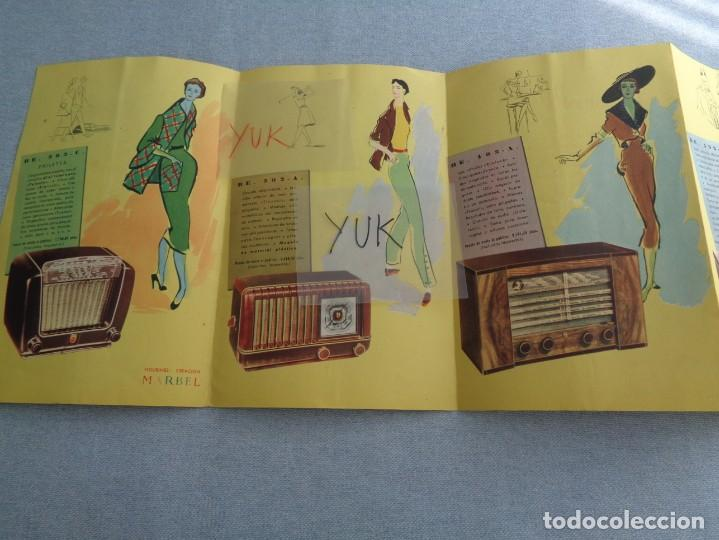Radios antiguas: BONITO CATALOGO DESPLEGABLE CUADRUPLE DE RADIO PHILLIPS ILUSTRADO A COLOR - 1951 - Foto 4 - 263001925
