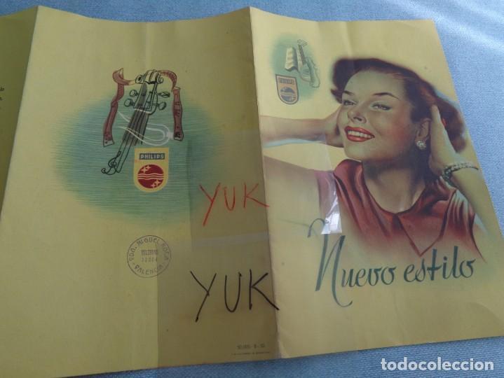 Radios antiguas: BONITO CATALOGO DESPLEGABLE CUADRUPLE DE RADIO PHILLIPS ILUSTRADO A COLOR - 1951 - Foto 8 - 263001925