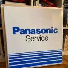 Radios antiguas: CARTEL LUMINOSO PANASONIC SERVICE LETRERO PUBLICITARIO. Lote 269415303
