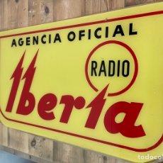 Radios antiguas: CARTEL PUBLICITARIO DE RADIO IBERIA DE CRISTAL DE LOS AÑOS 60. Lote 295364543