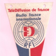 Radios antiguas: RADIO RFI BANDERIN COLECCION RADIO FRANCE INTERNATIONALE. Lote 49847609
