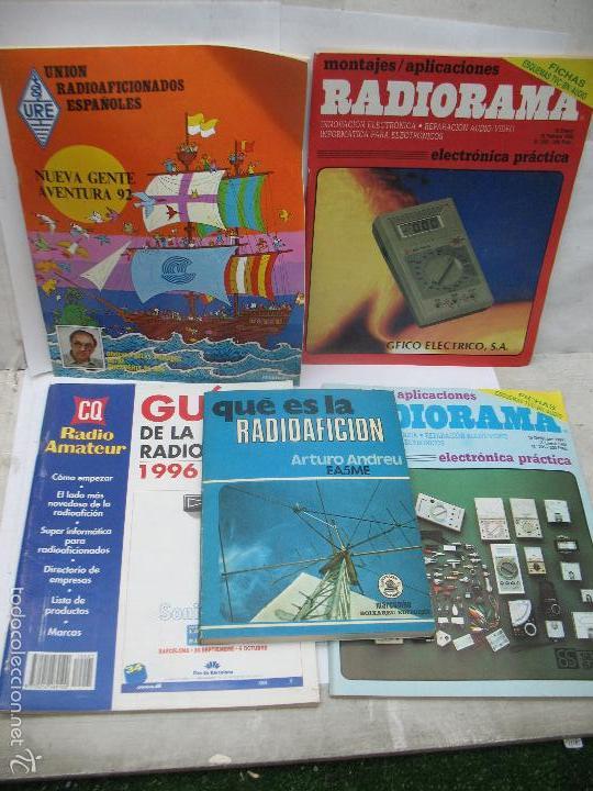 LOTE DE 4 REVISTAS Y LIBRO DE RADIOAFICCIÓN (Radios, Gramófonos, Grabadoras y Otros - Radioaficionados)