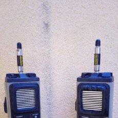 Radios antiguas: JUEGO DOS WAKIE TALKIE WALKIE TALKIE RADIO EMISORA GREAT GT-210 C.B TRANSCEIVER CRYSTALS FUNCIONANDO. Lote 97711227