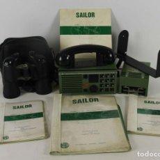 Radios antiguas: EQUIPO DE EMISORA DE RADIO MARITIMA. INCLUYE TRANSFORMADOR. PRISMATICOS E INSTRUCCIONES. 1950.. Lote 105819691
