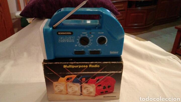 Radios antiguas: RADIO AM/FM CON LINTERNA, SIRENA, LUZ PARPADEANTE, MARCA INTERNATIONAL - Foto 11 - 111461432
