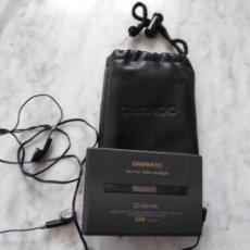 Radios antiguas: RADIO CASETE DAEWOO PORTATIL.. Lote 114609299