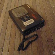 Radios antiguas: ANTIGUA GRABADOIRA AIWA CON CONTADOR (SE ENCÍA CON PILAS). Lote 143755466