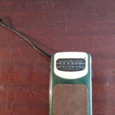 Radios antiguas: ANTIGUA RADIO AIWA,AÑOS 80,NO SÉ SI FUNCIONA. Lote 146426914