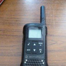 Radios antiguas: PAREJA DE WALKIE TALKIES MOTOROLA. Lote 165936578
