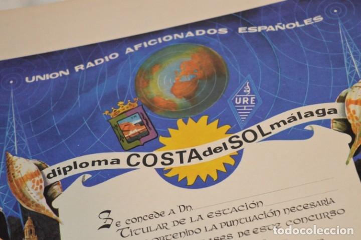 Radios antiguas: DIPLOMA original - URE Unión de Radio Aficionados Españoles / AÑOS 60 - Medidas 43,5 x 32 Cm ¡Mira! - Foto 2 - 177195865