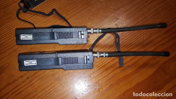 Radios antiguas: EXCELENTE Y RARA PAREJA DE WALKIE TALKIE ICOM IC-2N EN SUS FUNDAS. FUNCIONAN. LEER DESCRIPCIÓN. - Foto 10 - 188509236