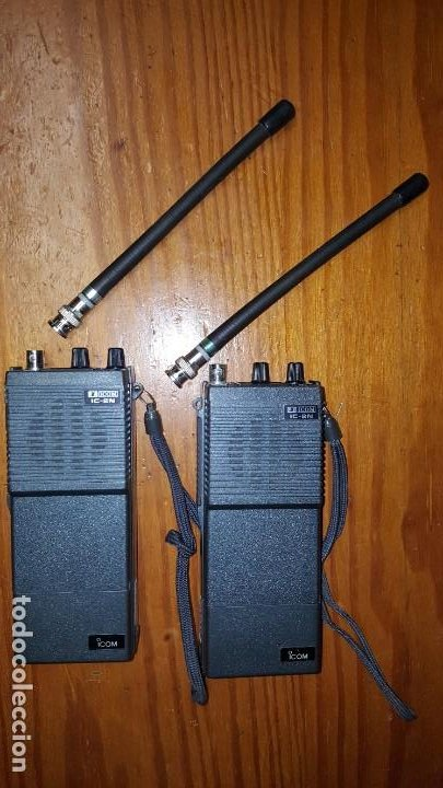 Radios antiguas: EXCELENTE Y RARA PAREJA DE WALKIE TALKIE ICOM IC-2N EN SUS FUNDAS. FUNCIONAN. LEER DESCRIPCIÓN. - Foto 17 - 188509236