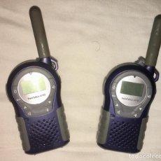 Radios Anciennes: PAREJA DE WALKIE TALKIE. MUY POCO USO. DISTANCIA COMUNICADO UNOS 2 KM. PILAS. TWIN TALKER.. Lote 193964313