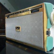 Radios antiguas: RADIOS VINTAGE ICÓNICAS S.XX. Lote 195039961