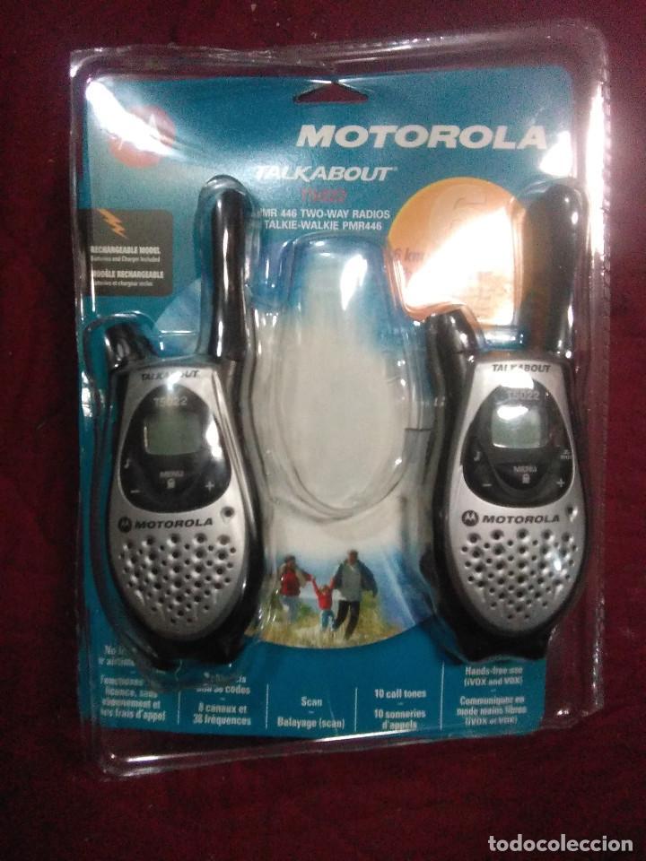 PAREJA WALKIE TALKIE MOTOROLA TALKABOUT T5022 NUEVOS (Radios, Gramófonos, Grabadoras y Otros - Radioaficionados)