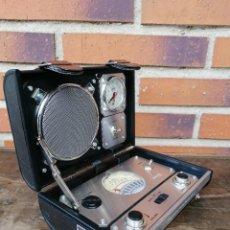 Rádios antigos: RADIO DESPERTADOR RETRO SPIRIT OF SAINT LOUIS QUE REALIZA A SU VEZ LAS FUNCIONES DE RELOJ DESPERTADO. Lote 195898417