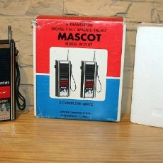 Radios Anciennes: WALKIE TALKIES MASCOT W-2107 - FUNCIONANDO - EN SU CAJA ORIGINAL - MADE IN JAPAN. Lote 214436436