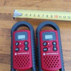 Radios antiguas: PAREJA DE WALKIE TALKIES DE MOTOROLA EN PERFECTO ESTADO.. Lote 214896406