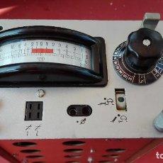 Radios antiguas: ANTIGUO GENERADOR DE SEÑALES PERIÓDICAS - MIDE 17X9X13 CM.. Lote 217976806