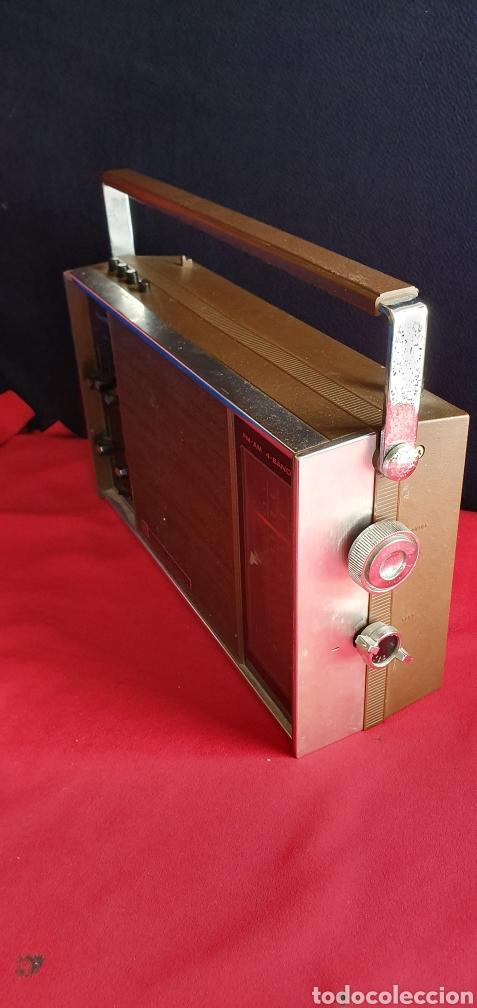 Radios antiguas: ANTIGUO RADIO NACIONAL PANASONIC VA CON PILAS . NO ESTA PROBADO - Foto 6 - 222243131