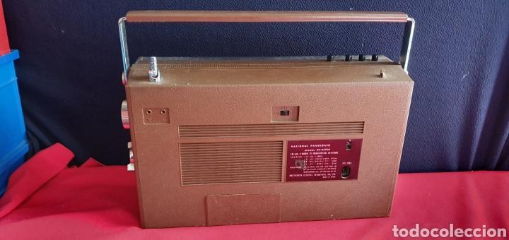 Radios antiguas: ANTIGUO RADIO NACIONAL PANASONIC VA CON PILAS . NO ESTA PROBADO - Foto 7 - 222243131
