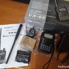 Radios antiguas: WALKIE TALKIE SCANER YAESU VX-6E CON EXTRA PORTAPILAS FBA-23, COMO NUEVO. WALKY.. Lote 228397335