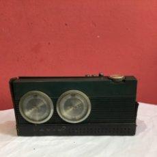 Radios Anciennes: TRANSISTOR DE DISEÑO LAVIS 772 AM/FM MADE IN SPAIN. Lote 263691775