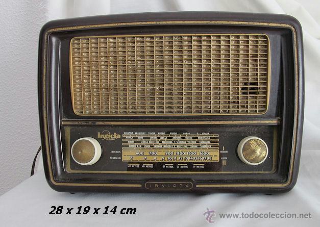RADIO VALVULAS INVICTA BAQUELITA ANTIGUA ESTORIL FUNCIONANDO (Radios, Gramófonos, Grabadoras y Otros - Fonógrafos y Grabadoras de Válvulas)