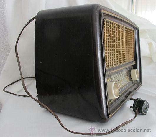 Fonógrafos y grabadoras de válvulas: RADIO VALVULAS INVICTA BAQUELITA ANTIGUA ESTORIL FUNCIONANDO - Foto 4 - 208043936