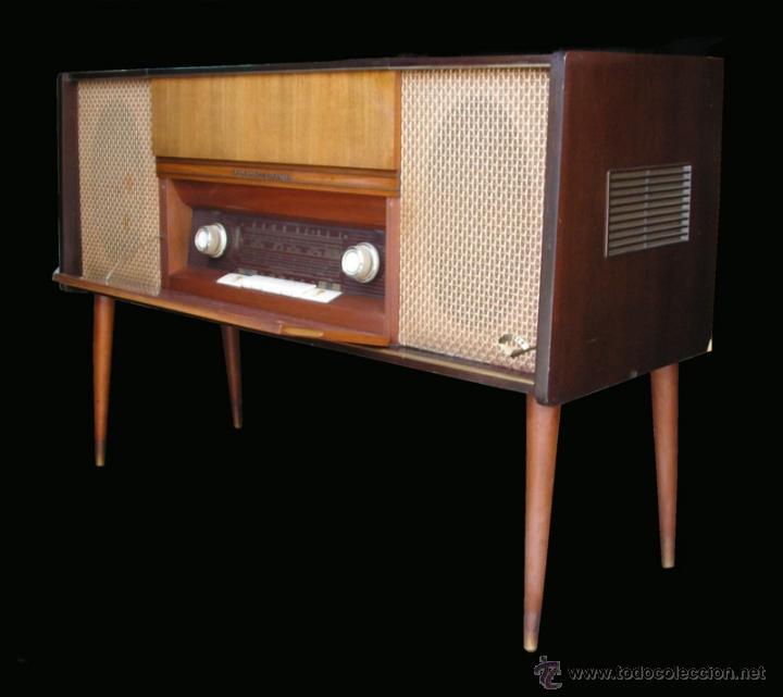 Fonógrafos y grabadoras de válvulas: Mueble aparador vintage con tocadiscos y radio. Marca Grundig, Alemania años 50. - Foto 4 - 62128690