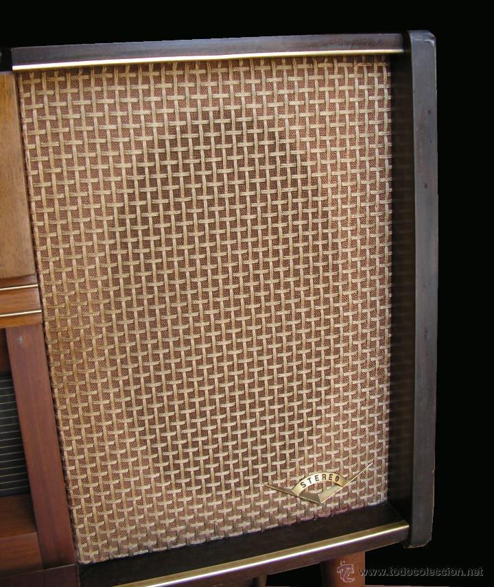 Fonógrafos y grabadoras de válvulas: Mueble aparador vintage con tocadiscos y radio. Marca Grundig, Alemania años 50. - Foto 9 - 62128690