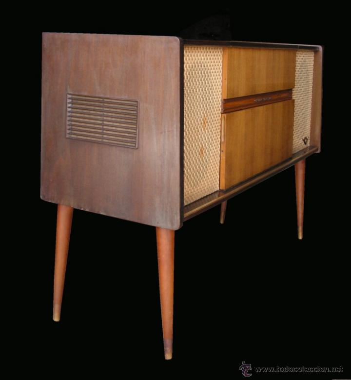 Fonógrafos y grabadoras de válvulas: Mueble aparador vintage con tocadiscos y radio. Marca Grundig, Alemania años 50. - Foto 10 - 62128690