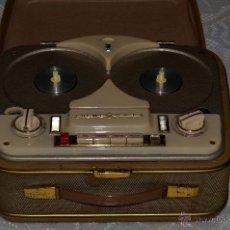 Fonógrafos y grabadoras de válvulas: ANTIGUO MAGNETÓFONO LOEWE OPTA. Lote 50256392