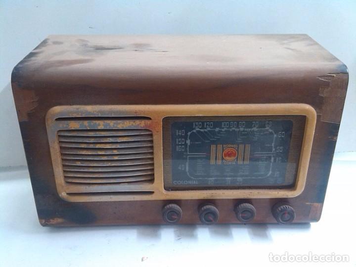 RADIO COLONIAL DE MADERA (Radios, Gramófonos, Grabadoras y Otros - Fonógrafos y Grabadoras de Válvulas)