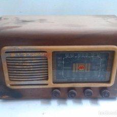 Fonógrafos y grabadoras de válvulas: RADIO COLONIAL DE MADERA. Lote 64769555