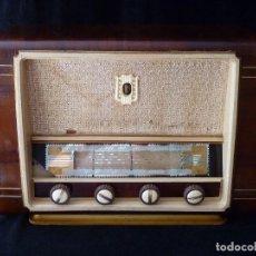 Fonógrafos y grabadoras de válvulas: ANTIGUA RADIO DE 6 VÁLVULAS. OJO MÁGICO. 46X23X33 CM. AÑOS 50. NO FUNCIONA. Lote 97206135
