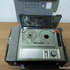 Fonógrafos y grabadoras de válvulas: ANTIGUO MAGNETOFONO MARCA REMCO MOD S-2005 CON MALETIN MADE IN SPAIN. Lote 98526199