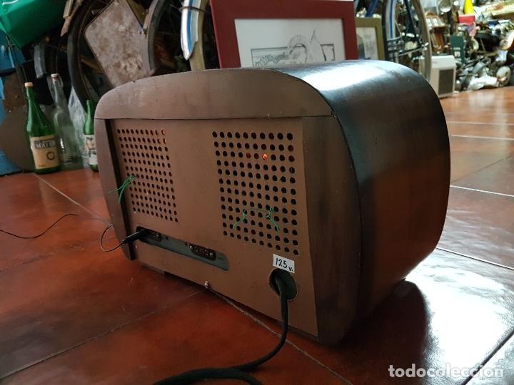Fonógrafos y grabadoras de válvulas: RADIO ANTIGUO GOOD SOUND DE MADERA,FUNCIONA,AÑOS 40 - 50 APROX - Foto 3 - 101958371