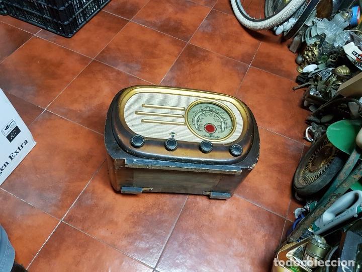 Fonógrafos y grabadoras de válvulas: RADIO ANTIGUO GOOD SOUND DE MADERA,FUNCIONA,AÑOS 40 - 50 APROX - Foto 5 - 101958371