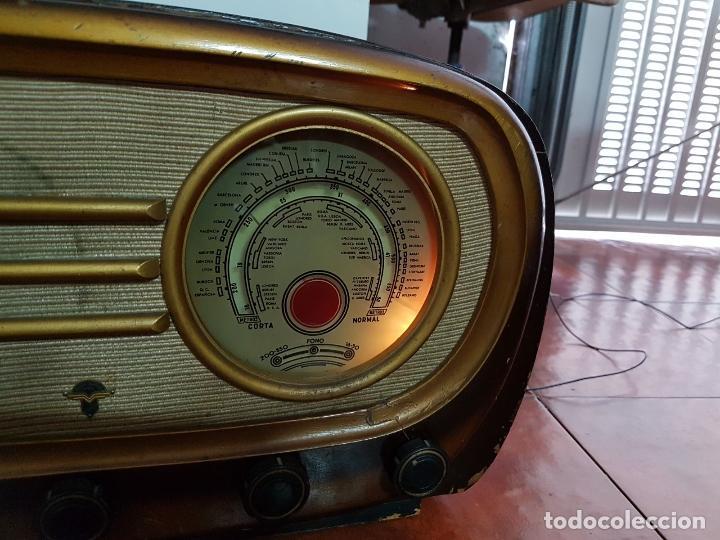 Fonógrafos y grabadoras de válvulas: RADIO ANTIGUO GOOD SOUND DE MADERA,FUNCIONA,AÑOS 40 - 50 APROX - Foto 6 - 101958371