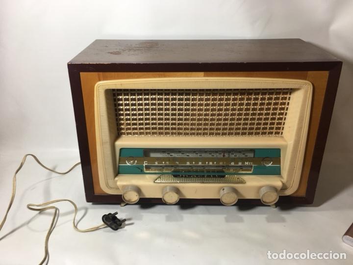 ANTIGUA RADIO EN MADERA MARCA MARFIL ORIGINAL AÑOS 50 60 (Radios, Gramófonos, Grabadoras y Otros - Fonógrafos y Grabadoras de Válvulas)