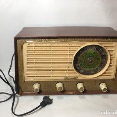 Fonógrafos y grabadoras de válvulas: ANTIGUA RADIO DE MADERA VICTORIA BUEN ESTADO.. Lote 124634940
