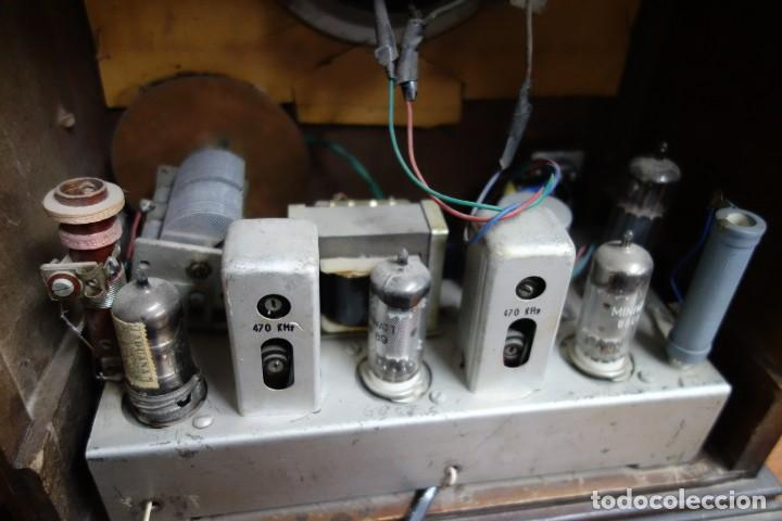 Fonógrafos y grabadoras de válvulas: RADIO ANTIGUA DE CAPILLA ADAPTADA A 220 VOLTIOS - Foto 4 - 156307870