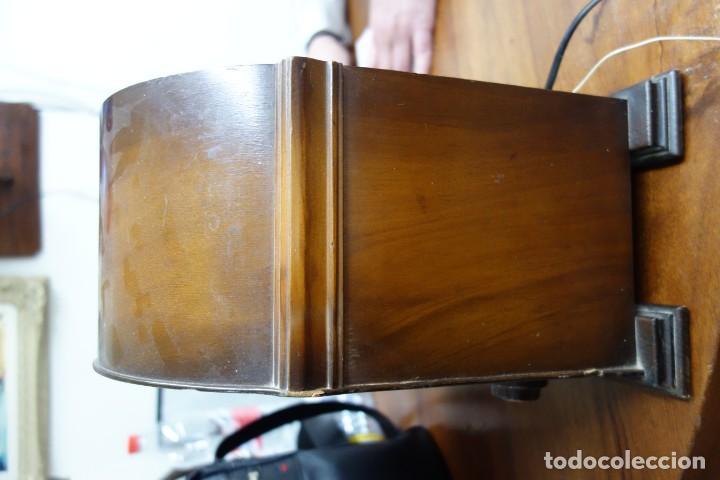 Fonógrafos y grabadoras de válvulas: RADIO ANTIGUA DE CAPILLA ADAPTADA A 220 VOLTIOS - Foto 5 - 156307870