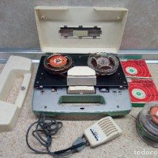 Phonographes et magnétophones à lampes: LOTE DE MAGNETOFONO DE CINTA AIWA TP - 40 R DE 1960 Y CINTAS * FUNCIONANDO * CON PILAS.. Lote 178363167