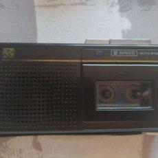 Phonographes et magnétophones à lampes: GRABADORA MICROCASSETTE NATIONAL RN-Z02. FUNCIONANDO.. Lote 184507025