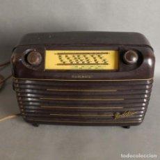 Fonógrafos y grabadoras de válvulas: ANTIGUO RADIO SCHAUB PIROLETTE SUPER DE BAQUELITA. 1951. Lote 191932367