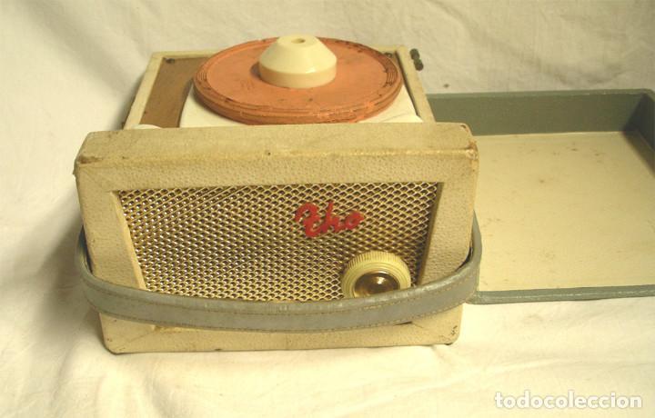 Fonógrafos y grabadoras de válvulas: Pequeño tocadiscos Tho, no probado. Med. 19 x 14 x 9 cm - Foto 2 - 194407928