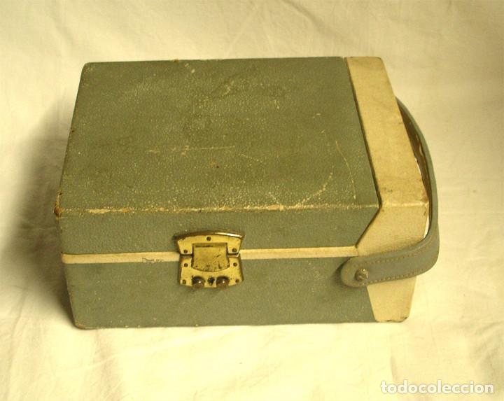 Fonógrafos y grabadoras de válvulas: Pequeño tocadiscos Tho, no probado. Med. 19 x 14 x 9 cm - Foto 3 - 194407928